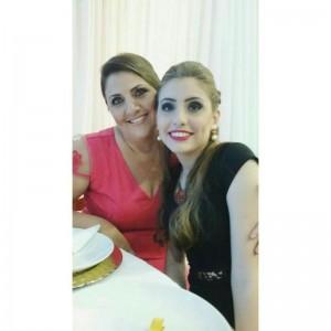 Cleonice Feller Ribeiro e a filha Eduarda, Itajaí.