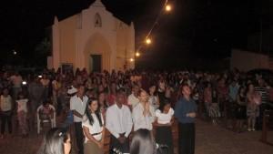 Celebração de ação de gracas aconteceu no pátio, em frente a Igreja Matriz