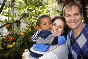 Renata Ferla, com seu esposo Guilherme e o filho Mateus