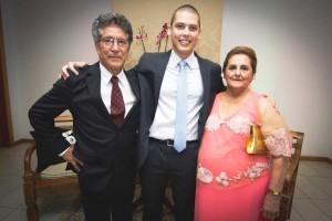 O casal Terezinha e Vitório Macário na formatura do neto Matheus Santos