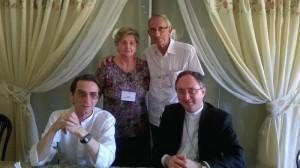 Diácono João Flávio, esposa Leda, Dom João Salm e Dom Sérgio Rocha