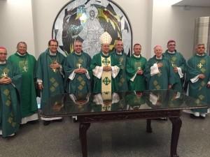 Dom Darci Nicioli presidiu a Missa para os comunicadores na Basílica, no sábado, 16, e contou com a presença de outros bispos do Brasil.