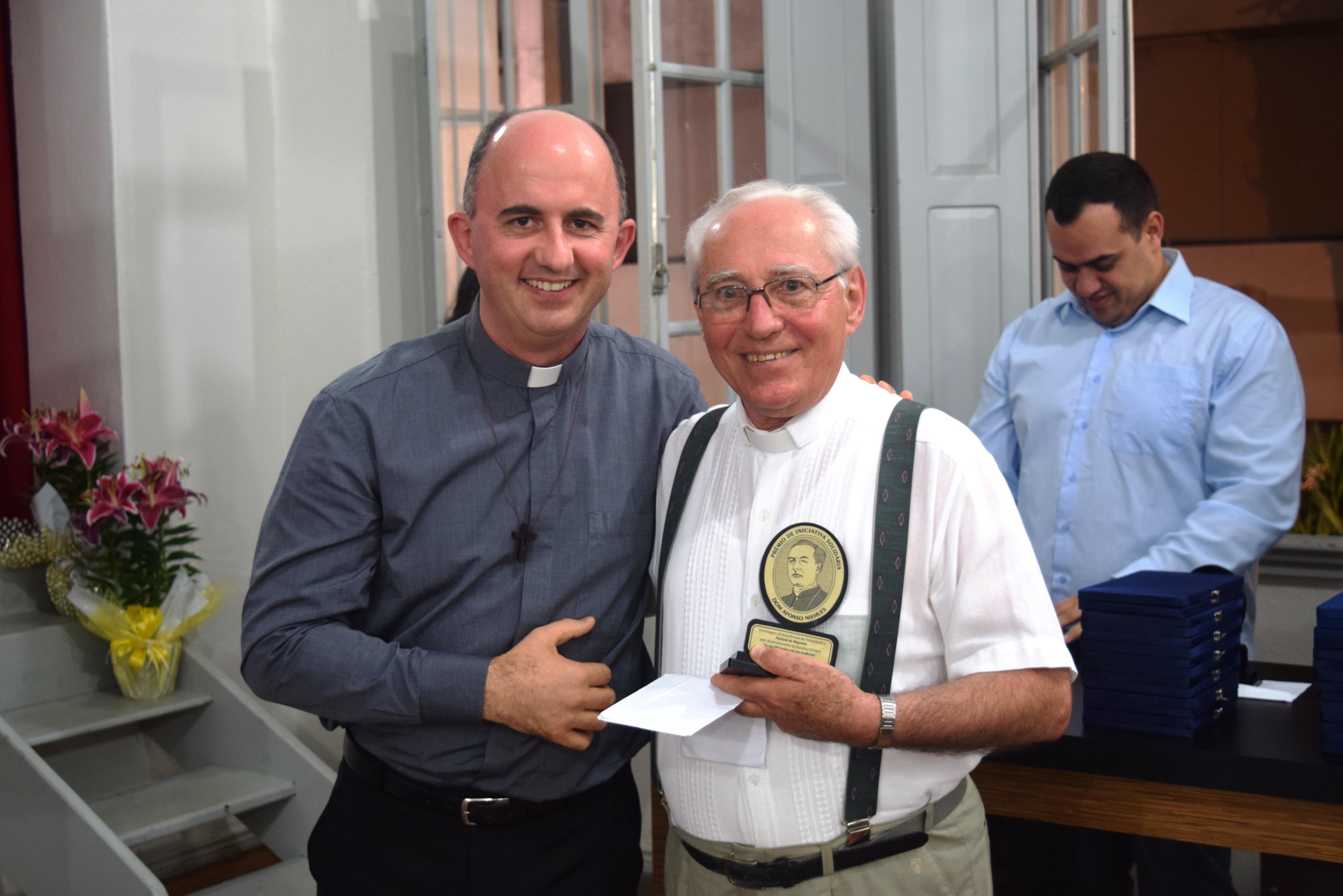 Padre Joaquim, da Pastoral do Migrante, um dos homenageados de 2015.