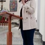 Coordenadora do CPP, Rita, falando sobre a história da Paróquia São Bonifácio