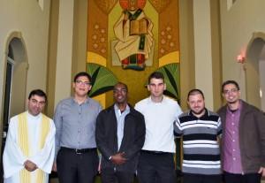 Padre Vânio com os seminaristas