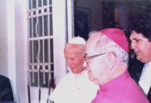 Padre Vilmar Vicente com o Papa no dia 18 de outubro de 1991.
