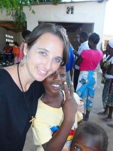 Zenir no concurso de cantos da juventude, na África